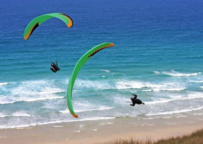paragliders in cornwall